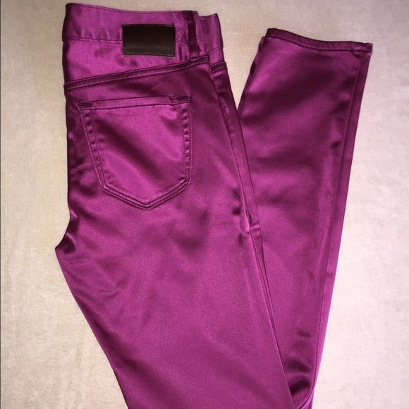 """Armani Exchange Fuchsia Silk Leggings Pre-owned. Very good condition. Two small treads are out on the right leg. Check last picture. Size P0 also fits S. Stretchy. Inseam: 28.5"""" Armani Exchange Jeans Skinny"""