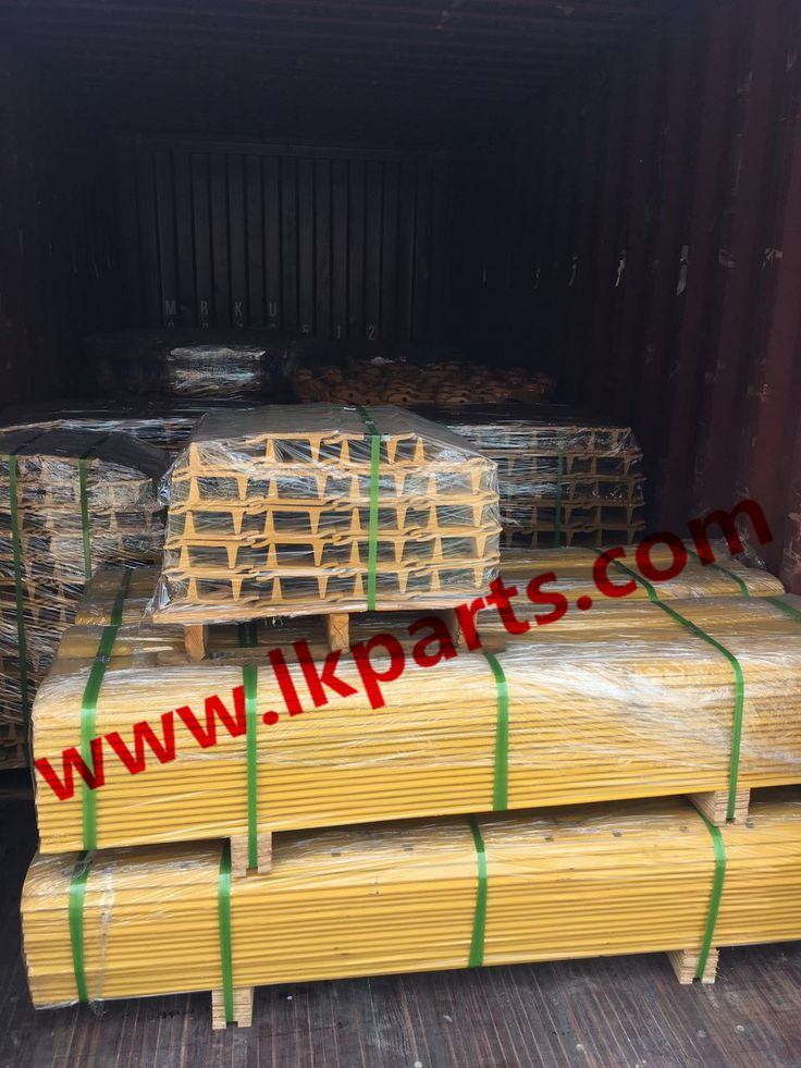I miss Winter...PC200 Track shoe, pc100/ex100/pc200 track link, 5D9559/7D1577 blade. Undercarriage parts for various kinds of brand such as caterpillar/Komatsu/Hitachi/Hyundai/Volvo/Doosan/JCB/Kobelco etc.#undercarriage parts for excavator and bulldozer#track roller, carrier roller, sprocket and segment, idler, track chain, track shoes, cutting edge etc #excavadora partes de tren de rodaje# Tel:+86 152 8009 4489  Email:ellen@lkparts.com  Whatsapp/Wechat/Line/:+86 152 8009 4489…