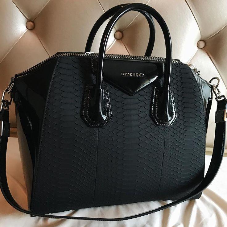 """glamk: """" champagne-diamondsz: """" xo """" GlamK """" Women's Handbags Wallets - http://amzn.to/2huZdIM"""