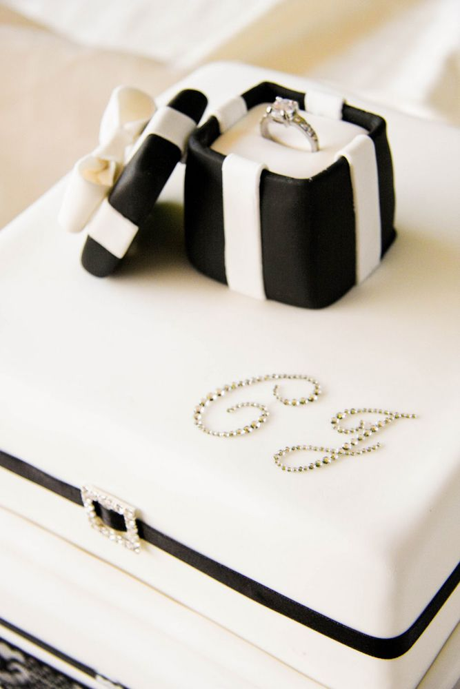 25 Best Engagement Cakes Images On Pinterest