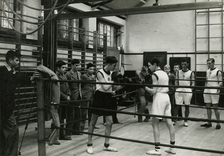 Boxing at Mill Hill School, London