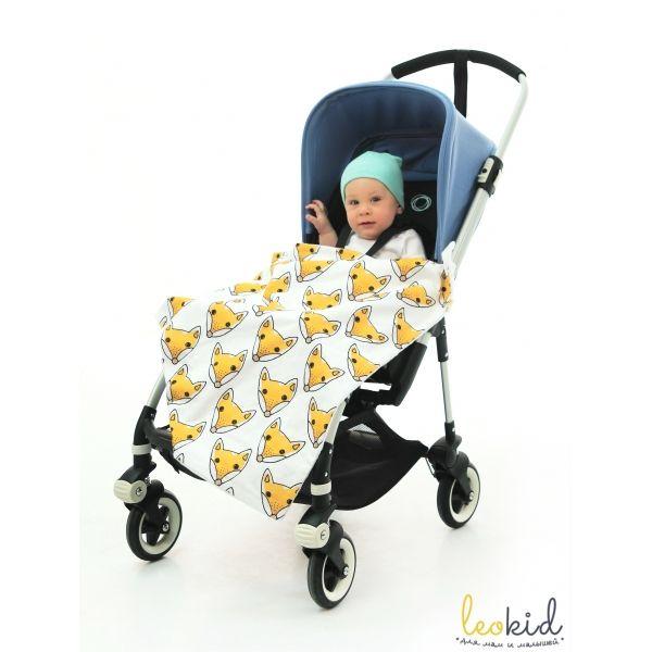 """Джинсовый плед для коляски """"Hi Foxy"""" (Привет, Лисик)  Детский джинсовый плед для коляски  станет  отличным аксессуаром на прогулках и в путешествии с малышом. Пледом можно пользоваться на прогулках в прохладную погоду, в автомобиле и использовать в качестве накидки во время кормления малыша грудью."""