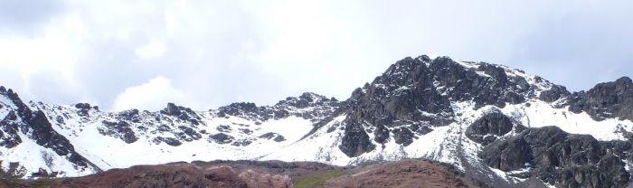 #Escalada en Hielo Nevado LLaguapucro Chico este 7 y 8 Junio http://www.deaventura.pe/eventos-de-escalada/escalada-en-hielo-nevado-llaguapucro-chico
