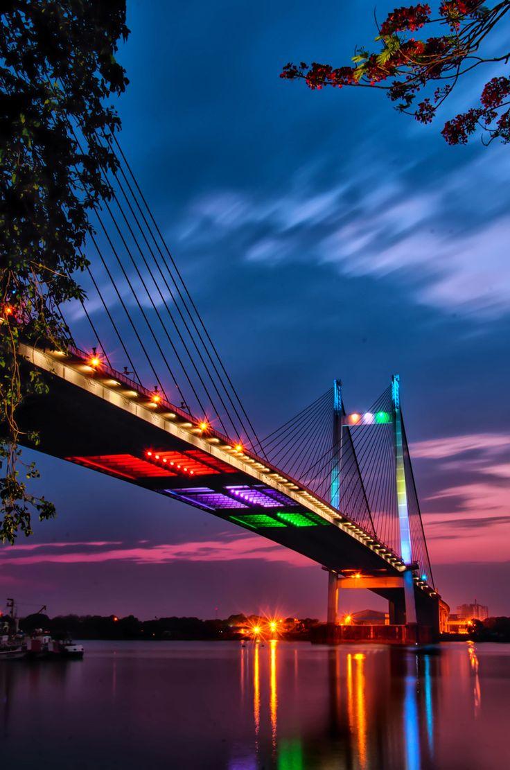 Vidyasgar Setu Bridge, The Hooghly River, Kolkata, India!
