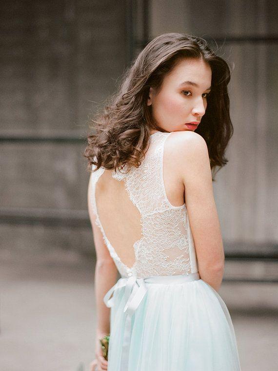 $500 Keyhole back bohemian wedding dress Hionia  Open by Milamirabridal