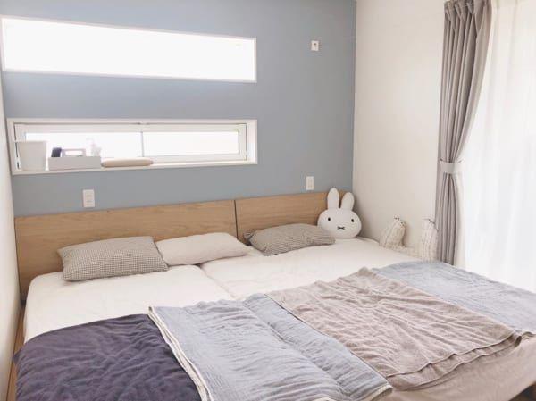 広く感じる 4畳半 レイアウト術20選 狭い寝室や和室を広々おしゃれに見せるには Folk 2021 ベッドルーム レイアウト 4畳 寝室