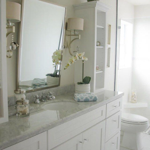 Clean and simple #bathroomdesign. Who says white is boring?! (photo by Adaptive…
