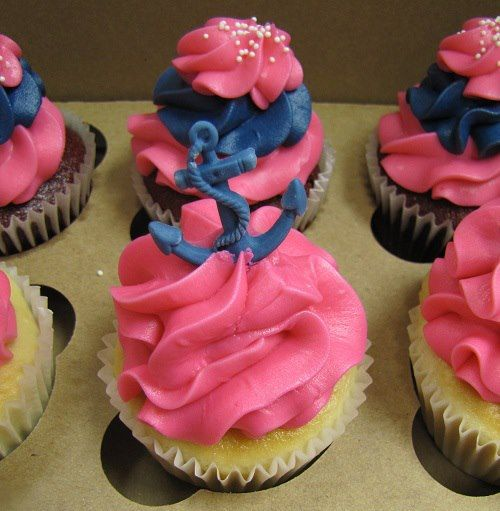 pink and navy blue anchor cupcakes. loveeeeeeeeeee