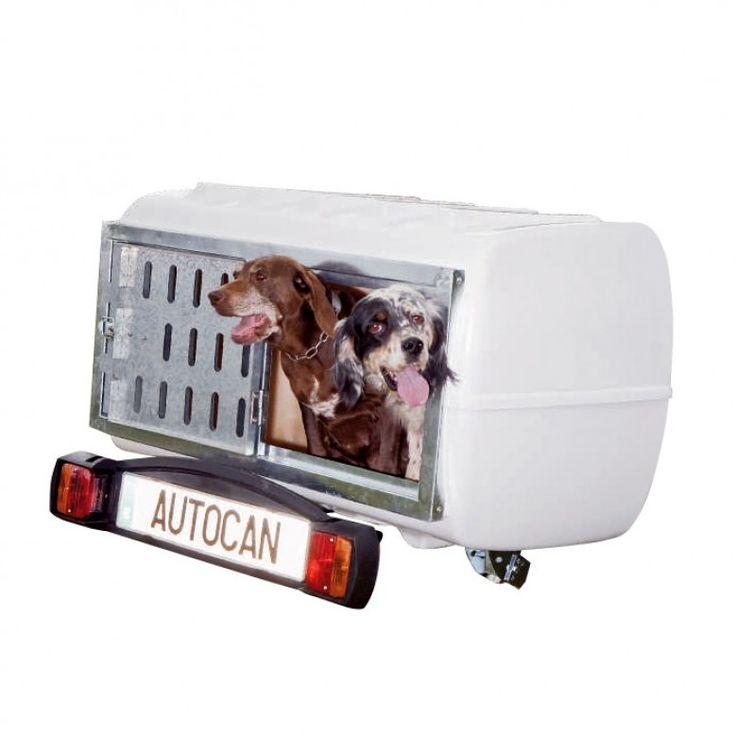 El cofre para perros que se engancha a la bola del coche. Es tan sencillo de instalar que una sola persona puede hacerlo en sólo dos pasos. Incluye suelo de goma para facilitar la limpieza y el confort del perro. http://trailcenter.es/transporte-animales/autocan/transporte-animales-autocan.html #remolques #perros #trailcenter