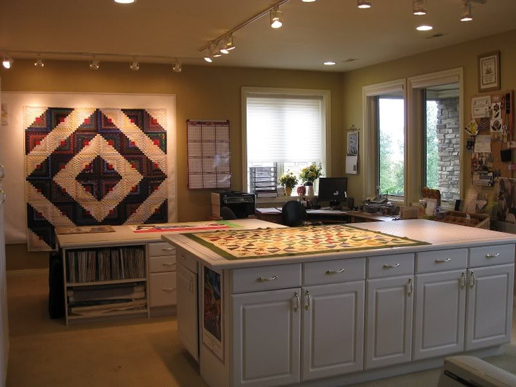 17 Best images about My Dream Quilt Room on Pinterest Quilting room, Quilt and Quilt display