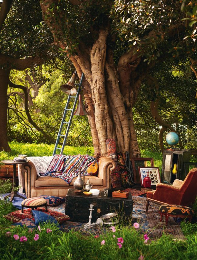 Bohemian homes 42 pics outside spaces pinterest for Dream backyard designs