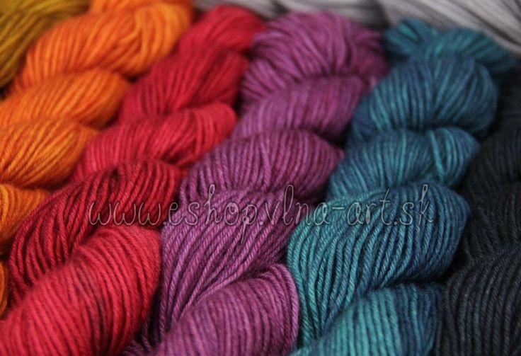 vlna_rucne_farbena_merino_superfine_wool_hand_dyed_yarns_na_pletenie_color_vlna-art.sk_0_3