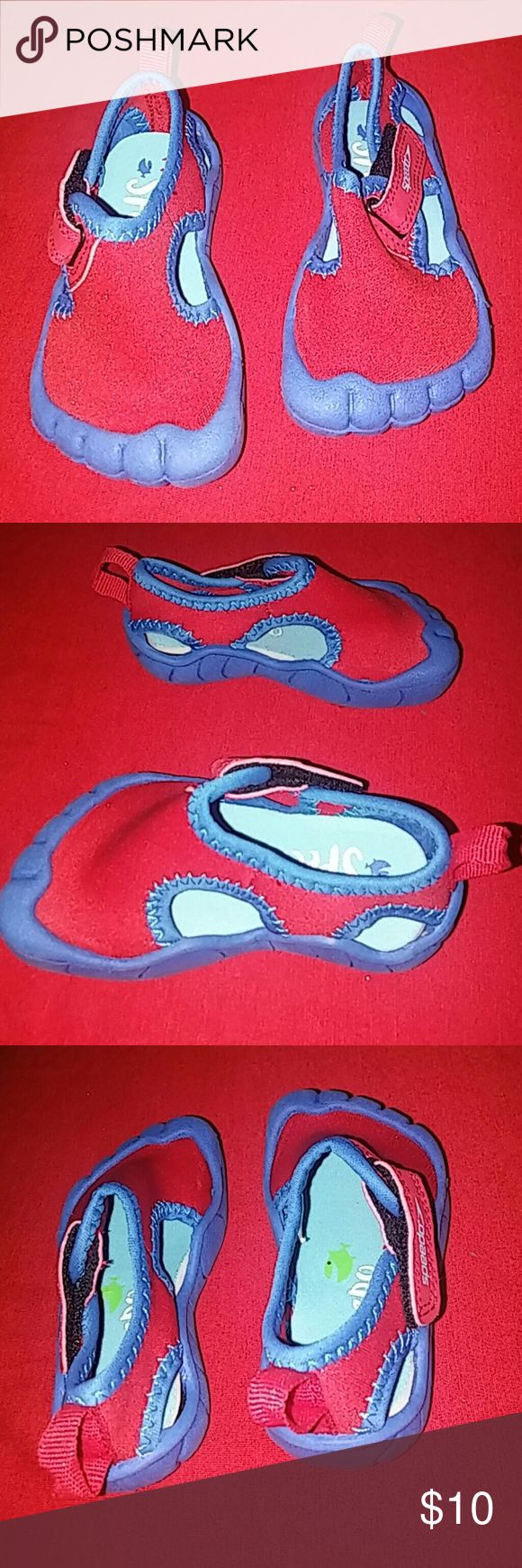 SPEEDO water shoes size S (5/6) red n blue SPEEDO size S (5/6) boys red n blue water shoes for hours of fun without blistered feet or slipping or falling. In good gently used/like new condition. SMOKE FREE HOME Speedo Shoes