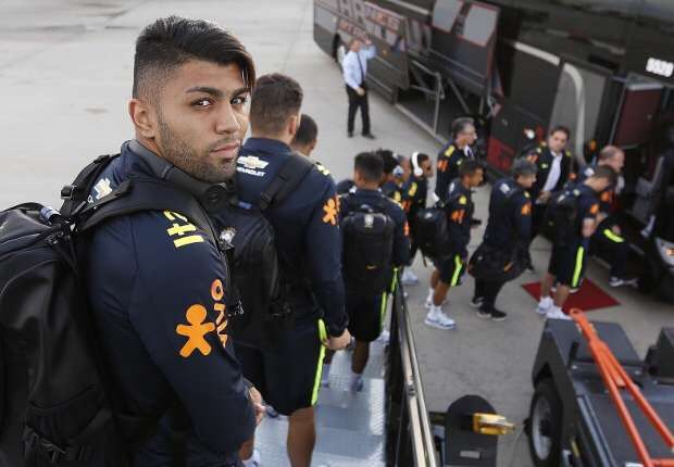 We live in a strange time: just five months after joining Inter for just under €30 million, Gabriel Barbosa has seen just 16 minutes of game time. Via goal.com #footballnews #footballplanetcom #fcinter More on footballplanet.com