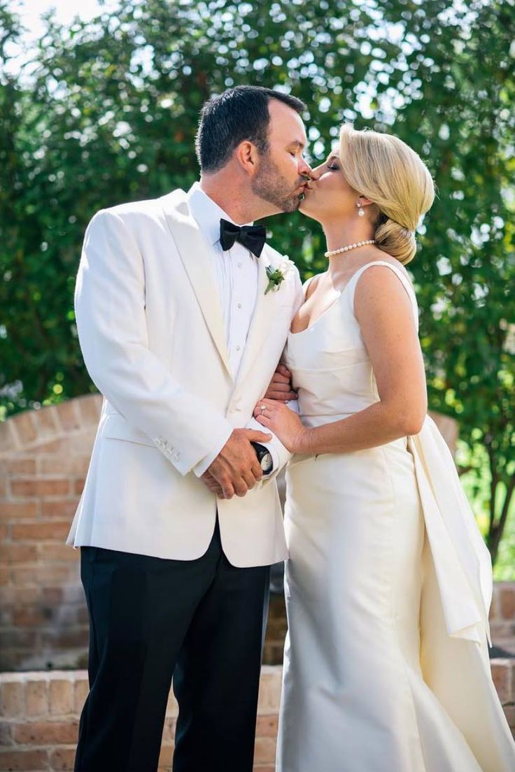 Grace, a beautyful American bride. | Ph Chris Bailey Photography | #lesposedigio #bridaldress #madeinitaly | www.lesposedigio.com
