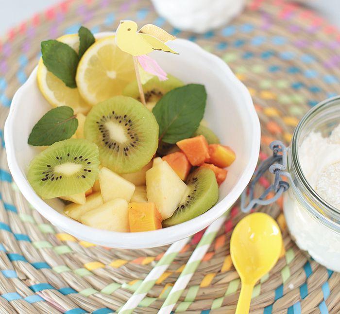 Tropischer Fruchtsalat / Obstalat mit Kokossahne {Ananas, Papaya, Kiwi}
