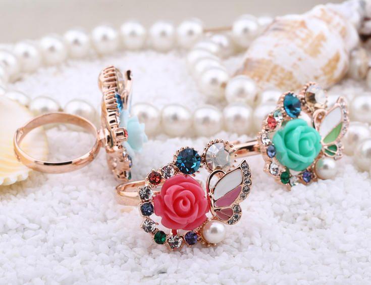 Prsten s růží z pryskyřice #sperkymoda.cz #sperky #jewellery #jewelry #fashionjewellery #bizu #ring #czech #czechgirl #prsten #růže #rose
