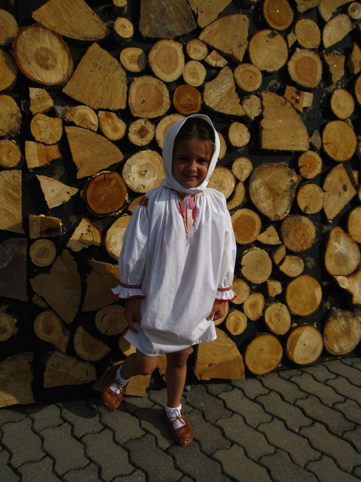 Fotogaléria 24/31 - Deti v slovenských tradičných krojoch - no nie sú rozkošné? Prvý júlový víkend patril folklóru a slovenským tradíciám. Na jednom z najznámejších...