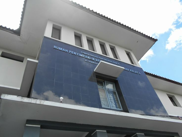 Penyedia Jasa Cleaning & Perawatan Gedung Bertingkat: Highrisk Service-Building Maintenance Rumah Penyim...
