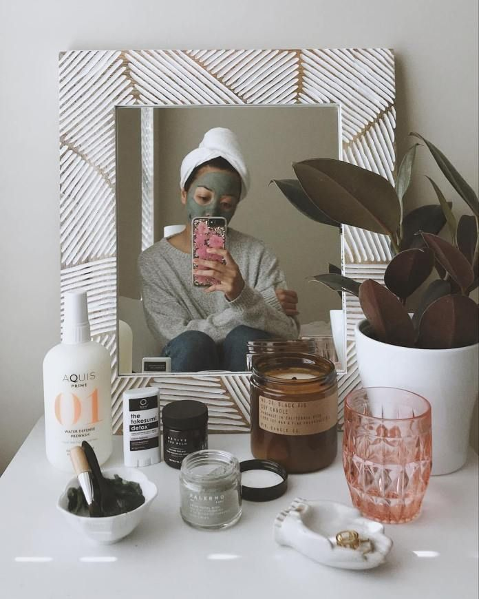10 Skincare Instagram Accounts You Ought to Be Following