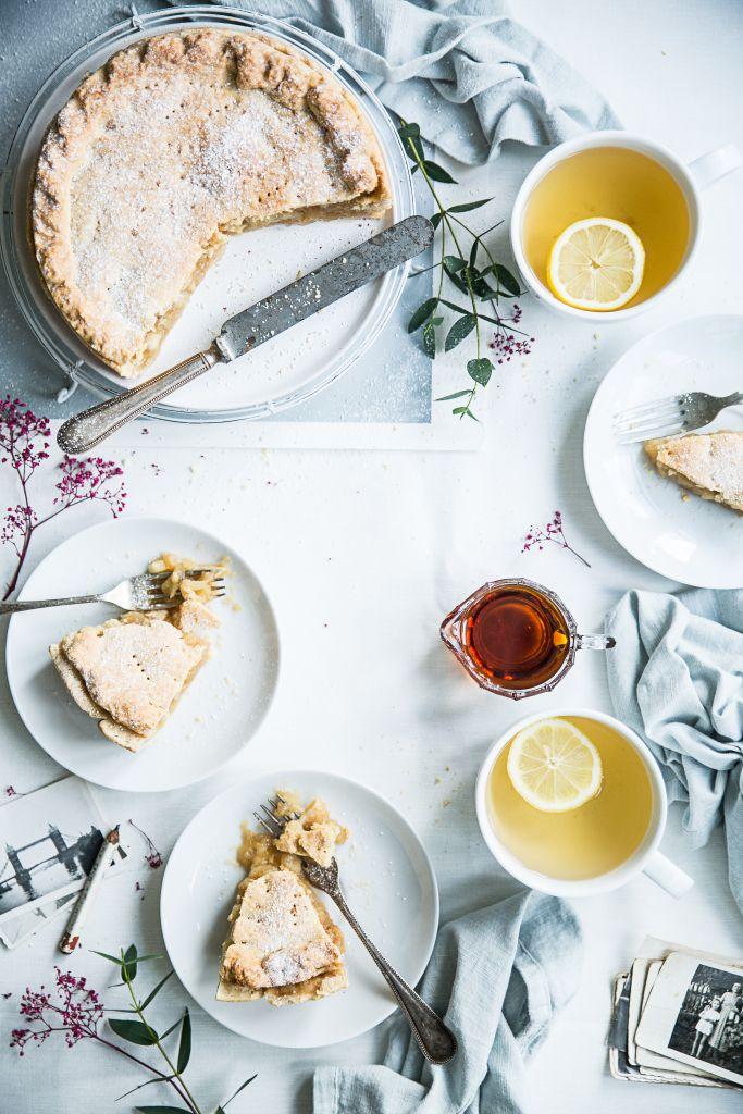 Polish apple pie. Bea's cookbook.