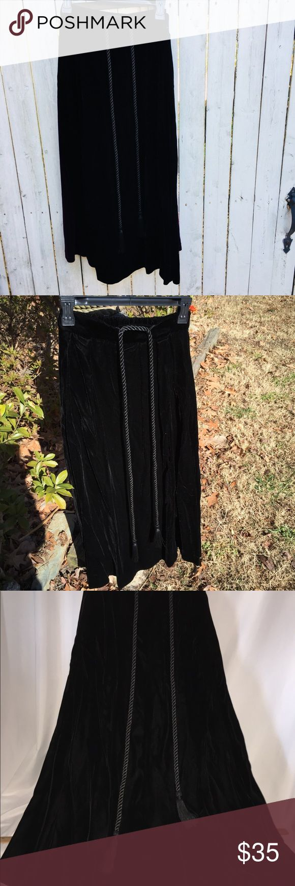 Vintage Susan Bristol black velvet long skirt tie Vintage velvet skirt long tassel tie is removable excellent condition very nice quality velvet lined skirt Susan Bristol Skirts A-Line or Full