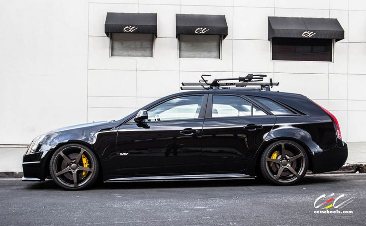Cadillac CTS-V Wagon with staggered 20