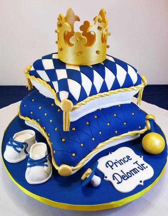 torta con corona de principe para nene
