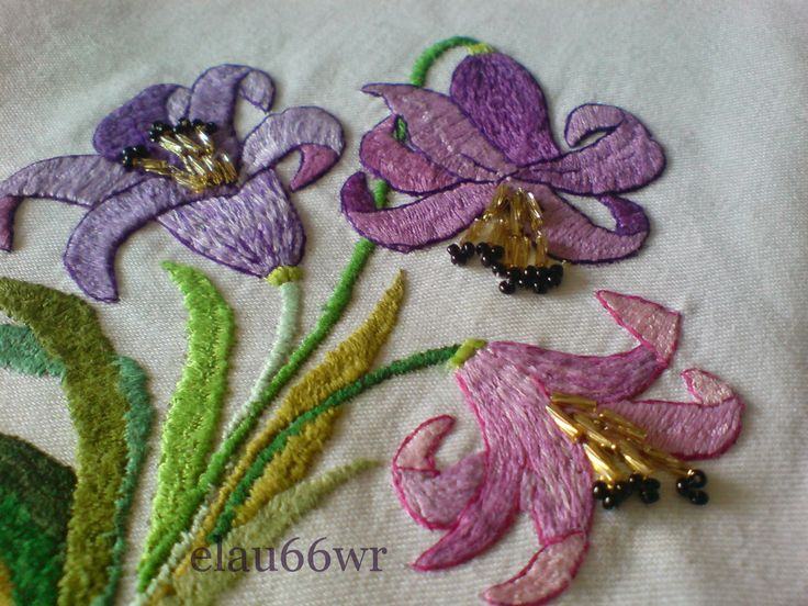 haft płaski - lilie 1