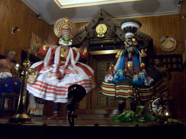 Fort Kochi, Kathakali, Cochin, India.  http://trekdigest.blogspot.ca/2010/06/kathikali-in-ft-cochin-india.html