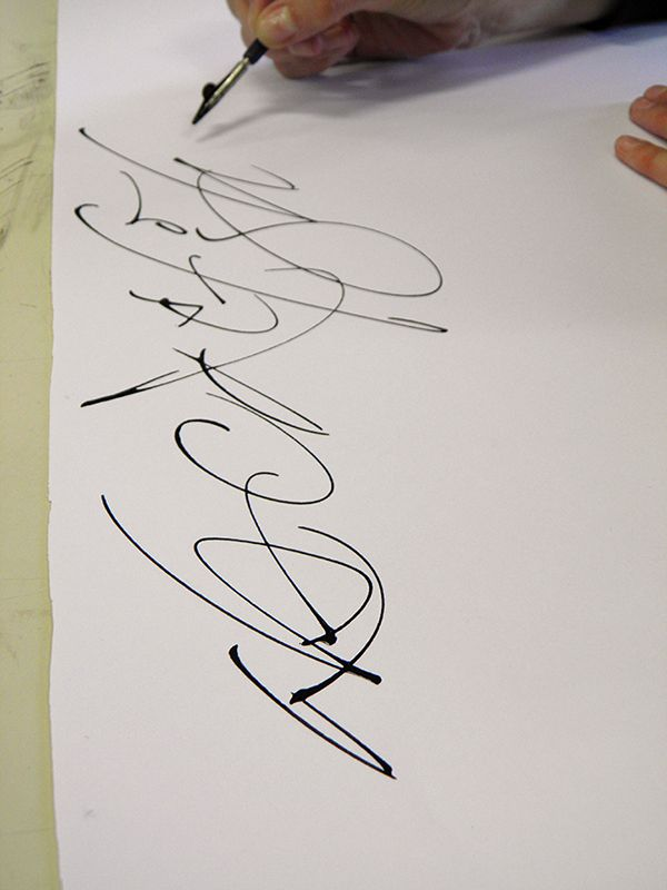 """Demonstration made during my classes about """"Calligraphy with ruling pens"""" at University of Buenos Aires, 2014."""