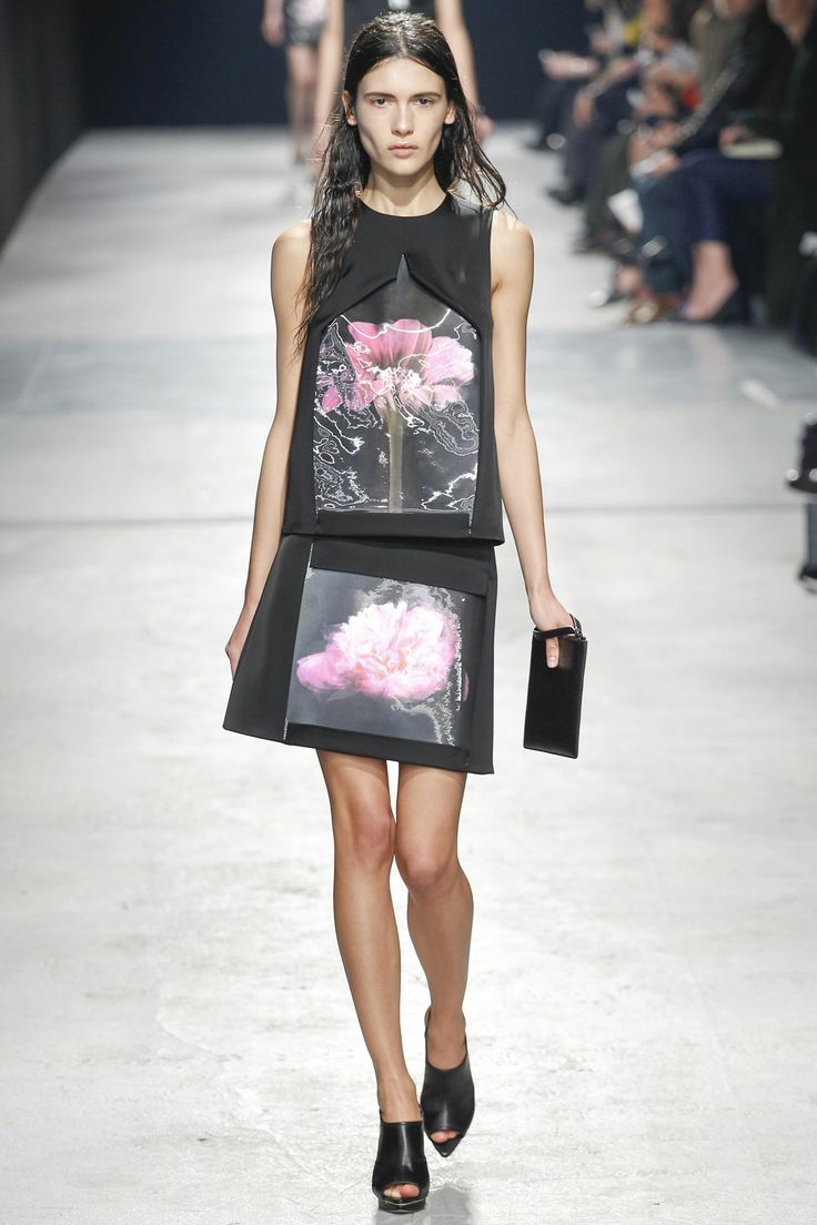 Didn't know if i liked it at first ! But and the end ...   Christopher Kane 2014  autumn/ winter 2014 #LFW