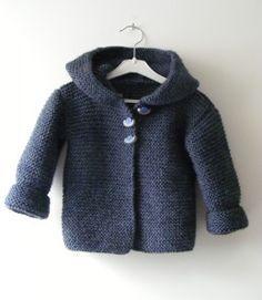 TUTO DU PALETOT - Une Aiguille dans une Botte de Foin Free pattern in English: http://ddata.over-blog.com/xxxyyy/0/32/30/83/Hooded-baby-jacket.pdf