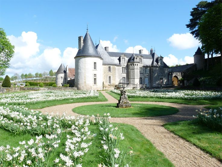 Château de la Chatonnière, #castle #france    Hidden away in a secluded valley crowned by 18 acres of flowering cornflowers and poppies and with sweeping views across the forest of Chinon and the river Indre, the twelve remarkable gardens of La Chatonniere are a carefully guarded secret...