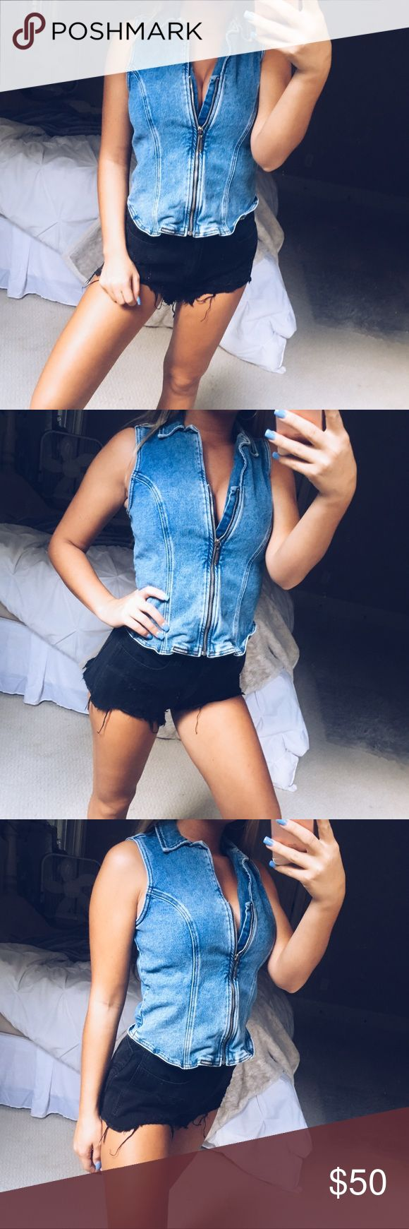 denim zip up vest gorgeous denim zip up vest from Harley Davidson. such an edgy and flattering piece! it can be worn as a top zipped up, or unzipped as a vest. super versatile and stylish. size 6, fits like a small or medium. in perfect condition 🥀 Harley-Davidson Jackets & Coats Vests