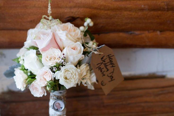 Stonefields Wedding Andrew Van Beek http://www.photovanbeek.com/ #bouquet