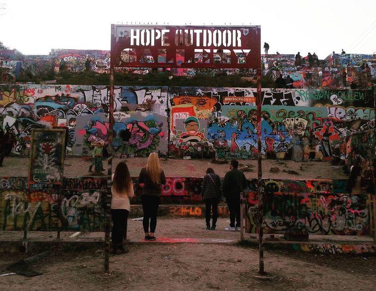 HOPE Outdoor Gallery Castle Hill Graffiti  #hopeoutdoorgallery #castlehillgraffiti #graffiti #Austin #Texas #오스틴 #텍사스 #미국여행 by eunicenam