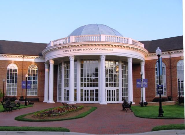 Learn About High Point University and What It Takes To Get In