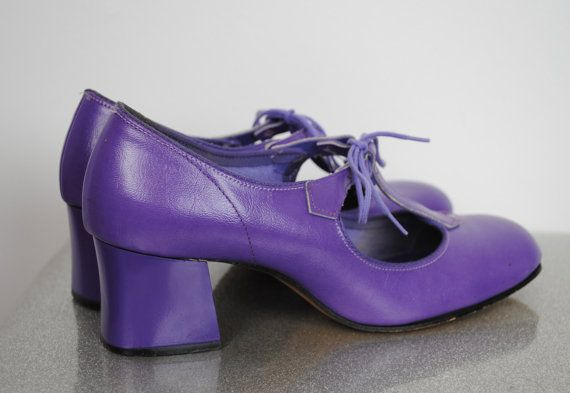 Vintage 60's Mod Purple Leather Shoes - Lace Up Mary Jane Chunky Heels - Size 5.5 US