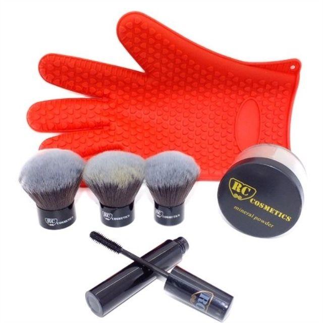 �������� #makeup #instamakeup #cosmetic #cosmetics #TFLers #fashion #eyeshadow #lipstick #gloss #mascara #palettes #eyeliner #lip #lips #tar #concealer #foundation #powder #eyes #eyebrows #lashes #lash #glue #glitter #crease #primers #base #beauty #beautiful @rccosmetics @taniusha.km http://ameritrustshield.com/ipost/1547397570955629335/?code=BV5deRvHNMX