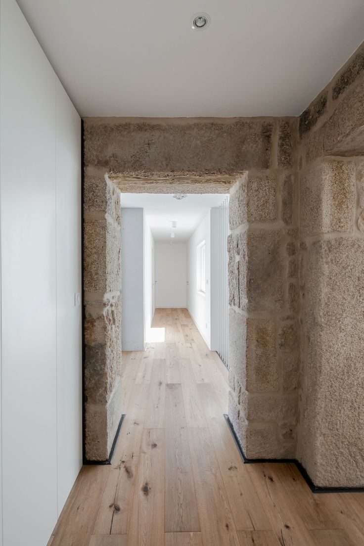 House design rock - Beautiful Minimalist Artistic Home Design With Rock And Wood Material The House Corridor With Rock