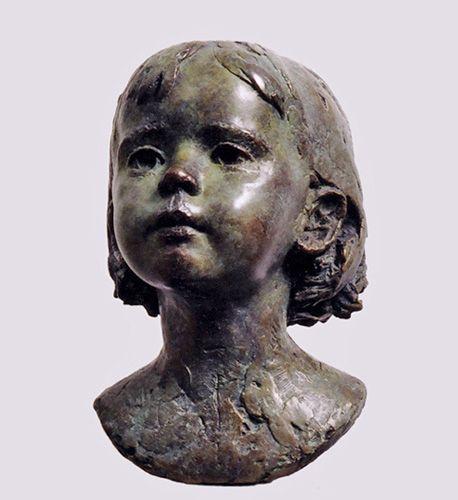 Sculptor Mark Richards