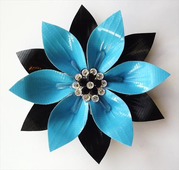 20 Easy Duct Tape Flowers | 101 Duct Tape Crafts.   Looks fun