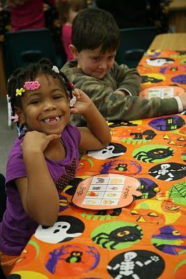 one sweet kindergarten world: Halloween Party...