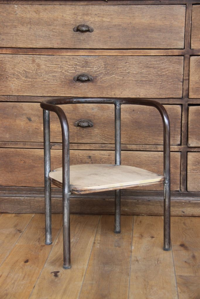 17 best images about mon univers on pinterest shabby for Chaise eames roulettes