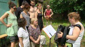 Le retour des Copiaus à la maison de Pernand-Vergelesses - France 3 Bourgogne