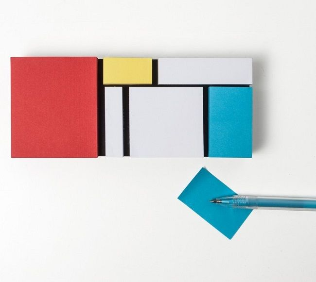 'Monde Riant' is an artful sticky notes