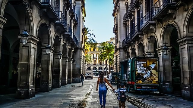 Quick guide: How to live local life in Barcelona - https://bcn4u.com/quick-guide-how-to-live-local-life-in-barcelona/