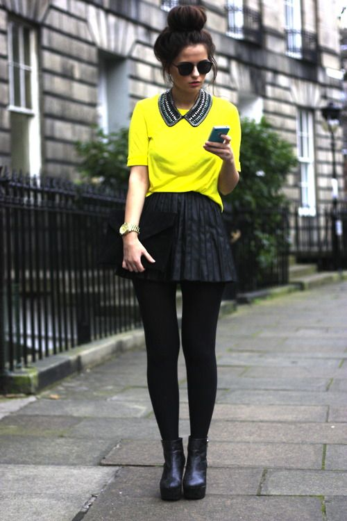 Big bun, bright top, collar necklace, pleated skirt and platform. Head to toe, love it all!