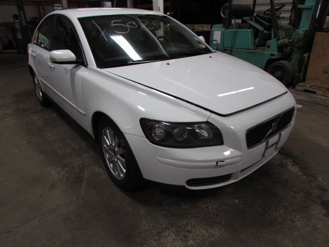 Parting out 2005 Volvo S40 – Stock # 150253 « Tom's Foreign Auto Parts – Quality Used Auto Parts  - Every part on this car is for sale! Click the pic to shop, leave us a comment or give us a call at 800-973-5506!